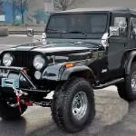 Meu Jeep Willys CJ-5 preto, prata e vermelho custom