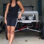 O meu Jeep: um Willys CJ-5 preto, prata e vermelho