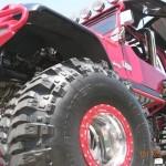 Jeep CJ vermelho modificado campeão em exposições