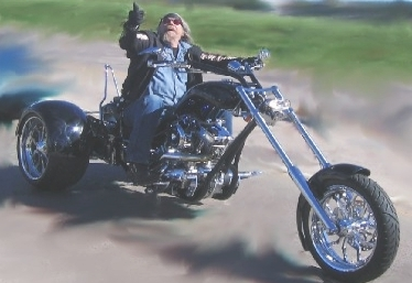 Triciclo Harley-Davidson preto