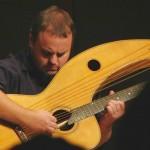 Andy McKee – o virtuosismo nunca esteve à deriva