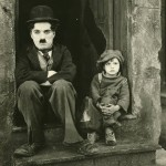 O ciclo da vida de trás para frente, segundo Charles Chaplin