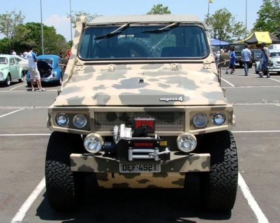 Jeep Engesa - Frente