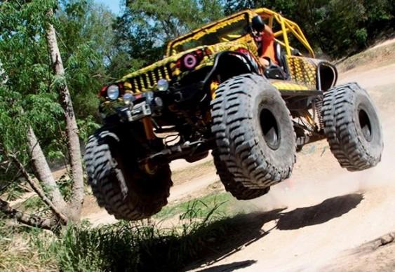 Jeepzilla voador