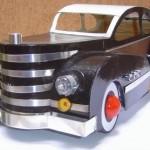 Coleção artesanal de miniaturas de carros antigos em sucata reciclada