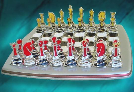 Artesanato urbano - peças e tabuleiro do jogo de xadrez