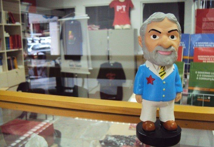 Lulinha - boneco de cerâmica do presidente Lula
