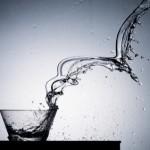 Dieta: beber dois copos de água antes de comer emagrece