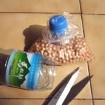 Reciclagem de sacos plásticos com tampas de garrafas pet