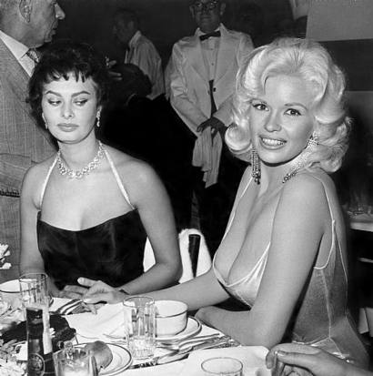 A inveja de Sophia Loren com os peitões de Jayne Mansfield