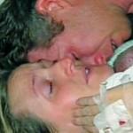 Amor de mãe ressuscita bebê prematuro considerado morto