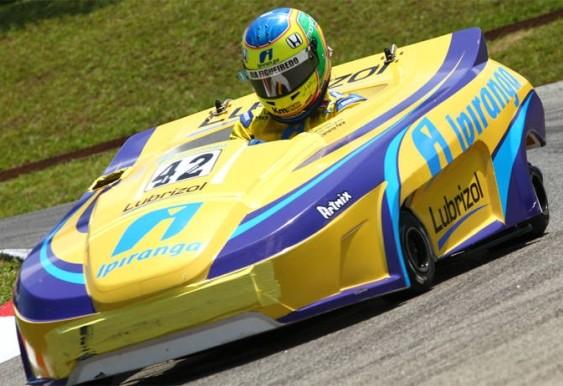 Bia Figueiredo - pilota kart