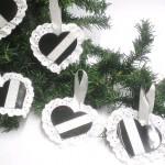 Enfeites para árvores de Natal com discos de vinil reciclados