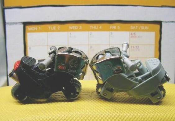 Motocicletas com peças de isqueiros descartáveis