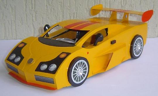 Miniatura de carro esportivo