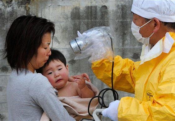 Criança - medição de radioatividade