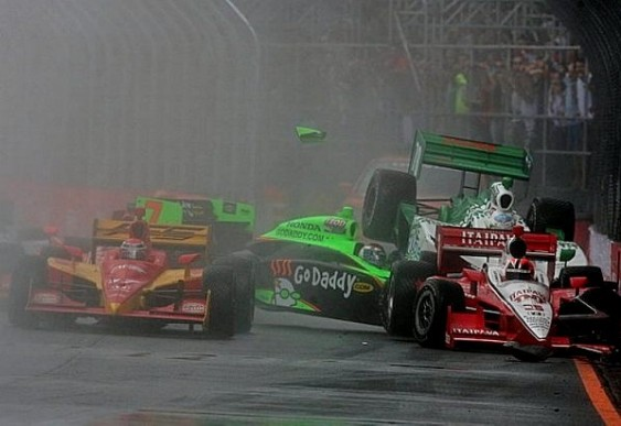 Trânsito com chuva em São Paulo