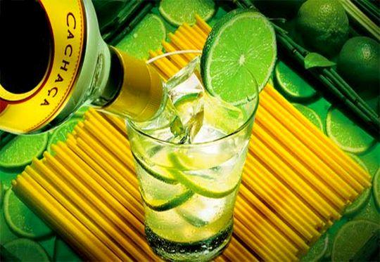 Bebida típica brasileira com cachaça