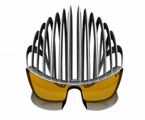 Novo capacete de plástico na cor prata