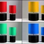 Luminárias coloridas de mesa com base de discos de vinil reciclados
