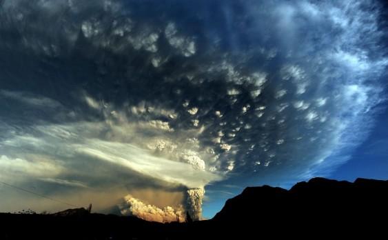 Nuvem de cinzas do vulcão chileno