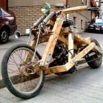 A incrível moto de madeira no estilo 'rat bike'… que funciona!