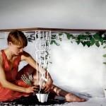 Bela mesa ou aparador de metal para decorar varandas e jardins