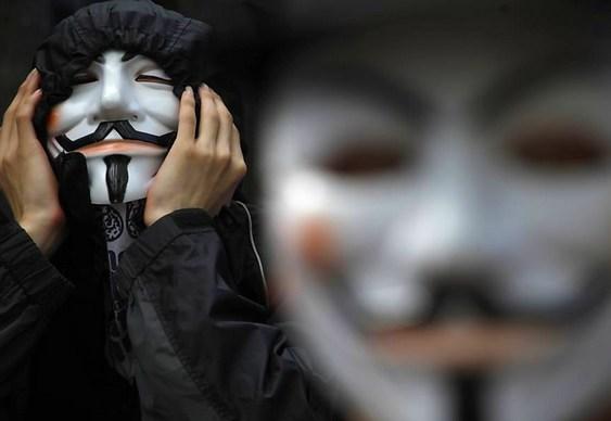 Anonymos denuncia mentiras da Veja