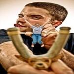 Estilingue humano: um jeito atirado de curtir a vida adoidado