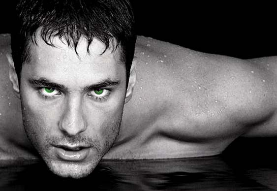 Homem bonito - olhos verdes