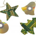 CDs e circuitos eletrônicos reciclados enfeitam o Natal