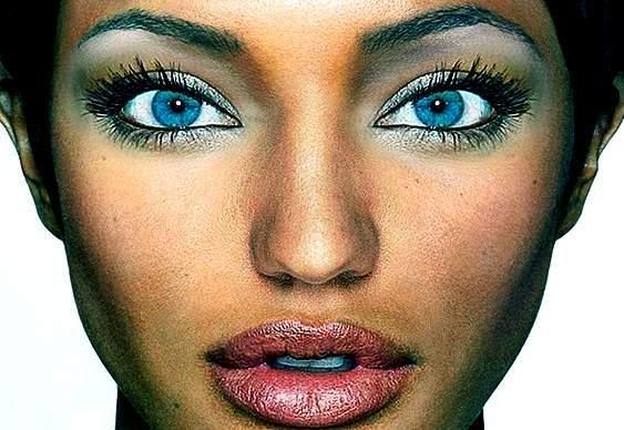 Morena de olhos azuis