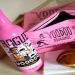Cerveja com gosto de bacon defumado em garrafa rosa