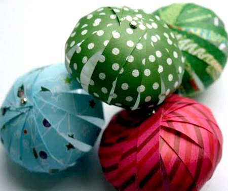 Bolas de papel para árvores de Natal