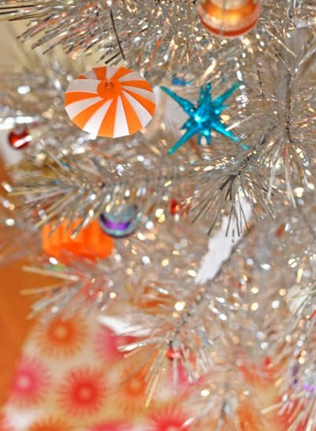 Ornamentos de papel reciclado