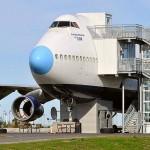 Reciclagem de sucata de avião transforma Jumbo 747 em hotel