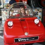 Peel, o menor carro do mundo, volta para conquistar as mulheres