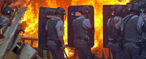 Polícia Militar ataca Pinheirinho
