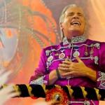 Justus abusa do carnaval paulista ao exibir tamanho do… ego