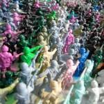 Miniaturas de soldadinhos de plástico viram retrato gigante