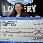 Mulher ganhou US$ 1 milhão na loteria mais bolsa alimentação