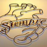 Placas e painéis artísticos de chapas e vergalhões em 3D