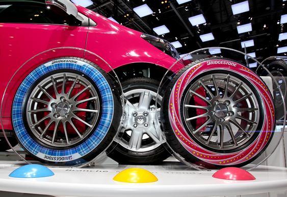 Banda colorida em pneus