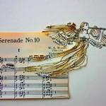 Velhas partituras de papel inspiram a arte além da música