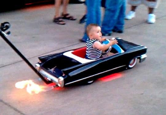 Cadillac - carrinho de neném