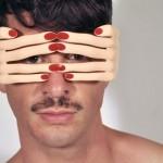 Óculos de sol com mãozinhas para arrasar no verão europeu