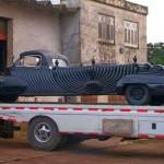 A incrível arte funerária recuperada num carro fúnebre