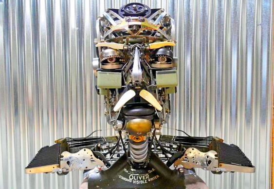 Robô sucata máquina escrever
