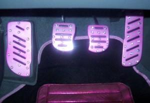 Pedais pink para freio, embreagem e acelerador