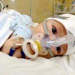 Bebê salvo por informações que pais encontraram na Internet